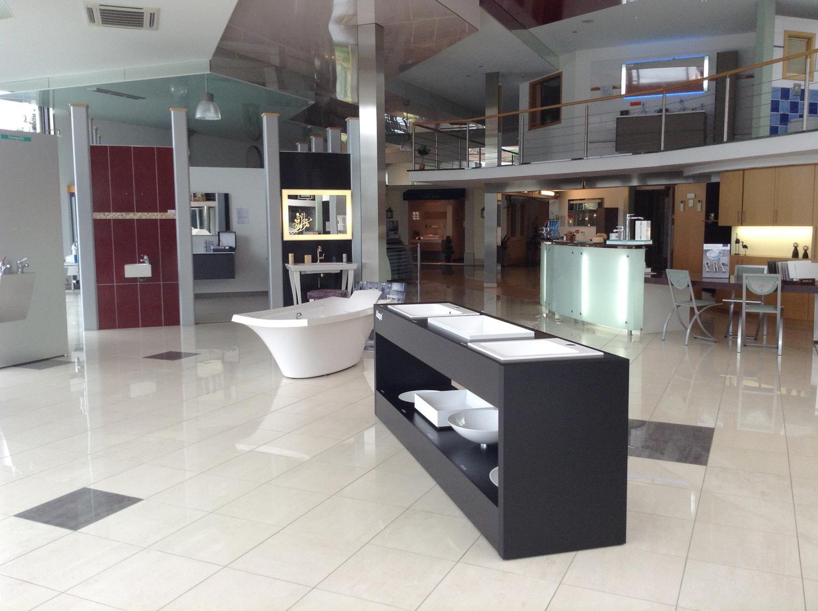 pour information le showroom de b tgenbach est ouvert le. Black Bedroom Furniture Sets. Home Design Ideas